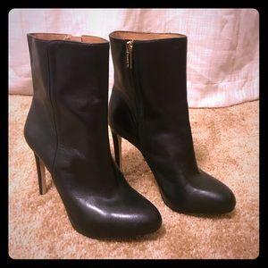 BRAND NEW SZ 9 genuine leather black booties.